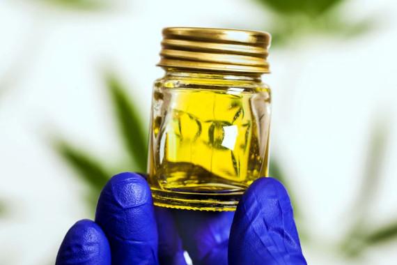 cbd oil closeup image